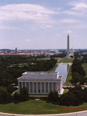 Aerial photograph of the Lincoln Memorial